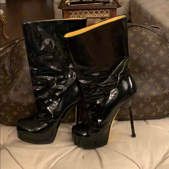Ysl Sexiest Patent Leather Boots